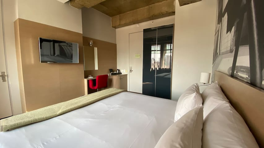 Studio Apartments at a Four Star Hotel