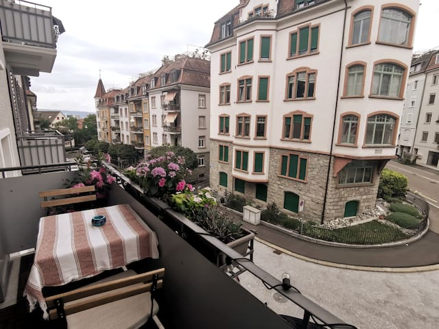 Beautiful 3-room apartment close to city center