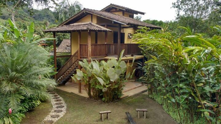QUINTAL DA MATA Suíte Tucano Cambury-São Sebastião