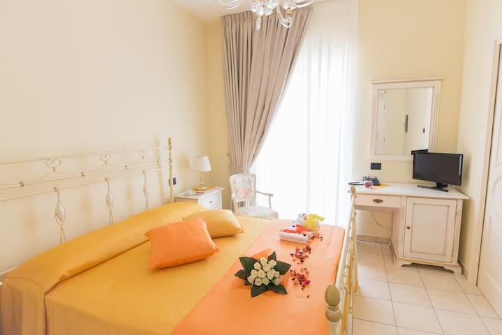 Villa Marchesa - Flowers Rooms