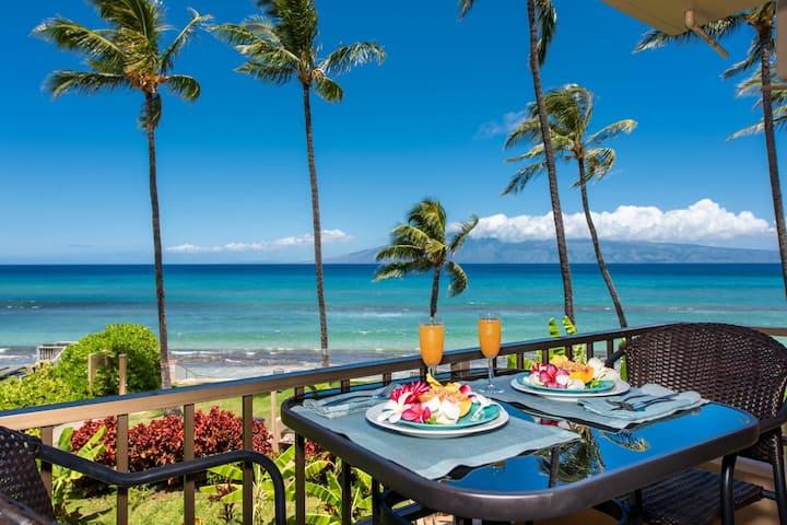 Romantic, Tropical, Oceanfront Retreat