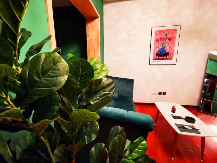 二十二号房*房价六折*钟鼓楼、回民街、地铁口+影院级投影+干湿分离+设计师民宿+沙发+小红书/网红