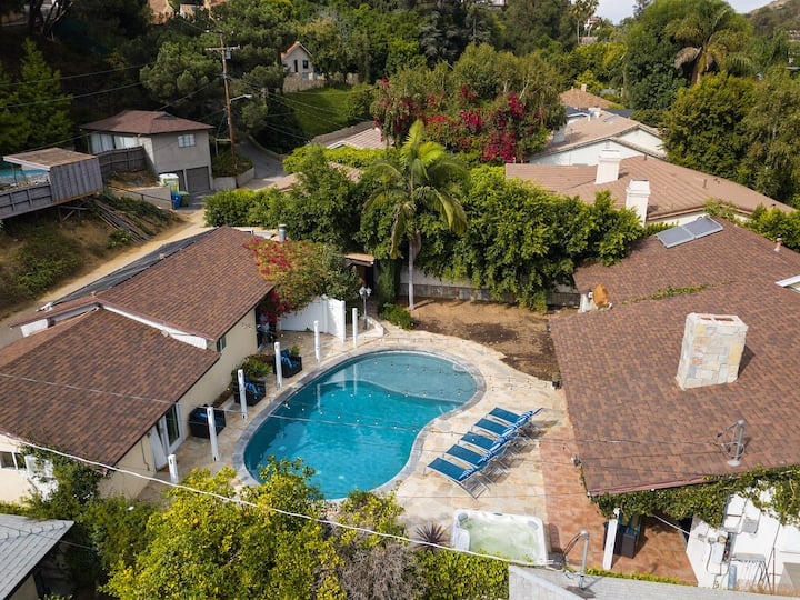 3 HOME GATED COMPOUND WITH POOL - BEVERLHY HILLS