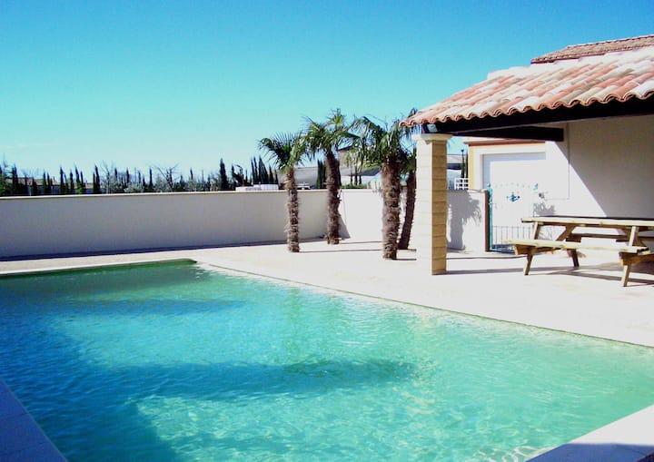 maison provençale avec piscine privée