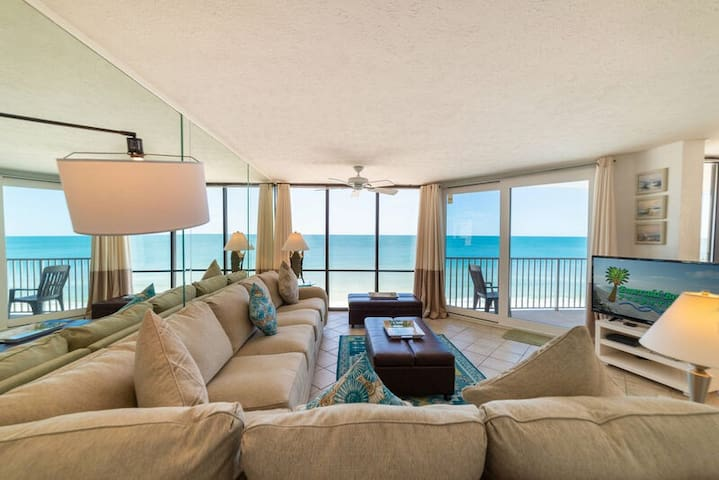 Sea Forever at W608~Panoramic Views Of The Coast~End Unit! 3 BD/3 BTH