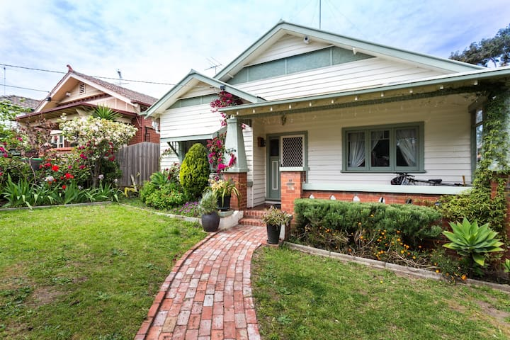 House Of Flowers - Brunswick West - Hus