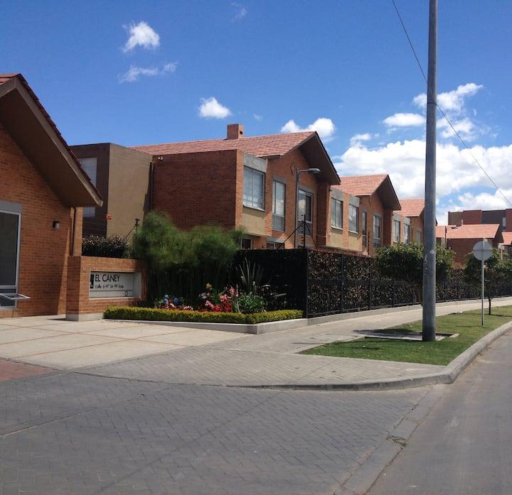 Casa totalmente dotada en la sabana de Bogota