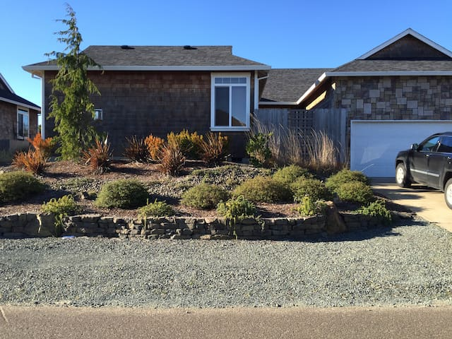 Beach house w/ detached guest suite - Nehalem - Hus