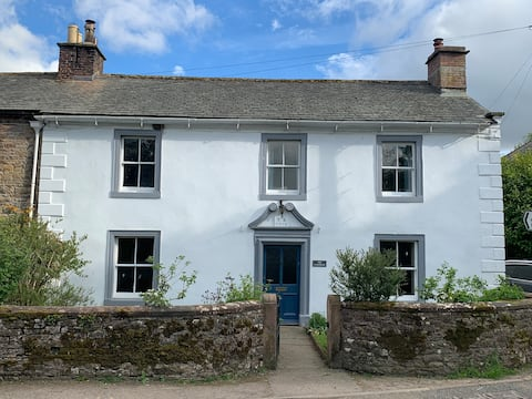 House sleeps 9 within Lake District National Park
