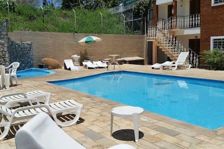 Chalé da Fonte  Pousada com piscina - Serra Negra - Pousada