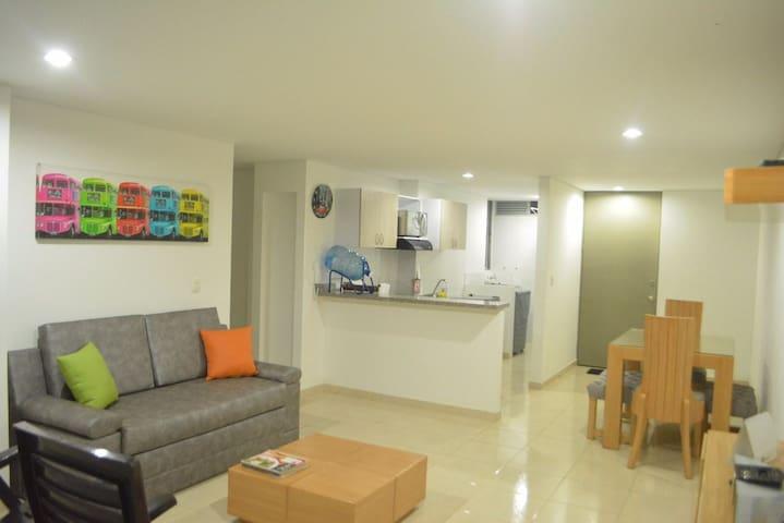 Apartamento NUEVO, privacidad, bien dotado.