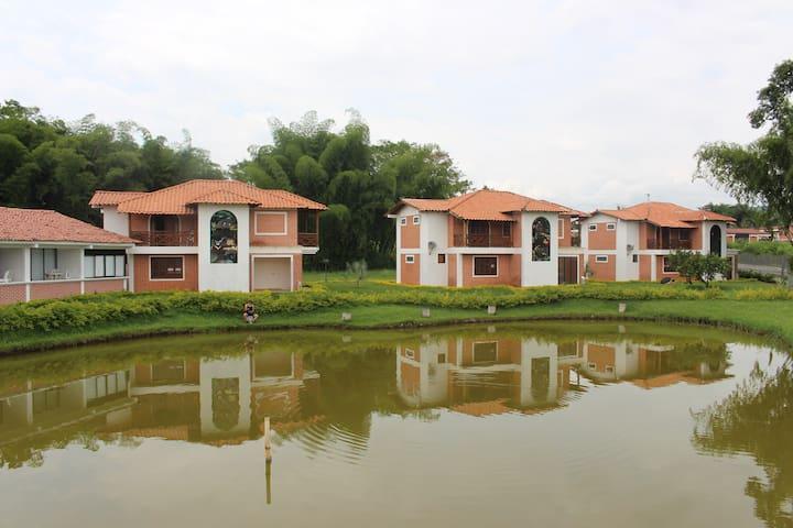 Babilonia centro vacacional - Arauca - Casa de campo