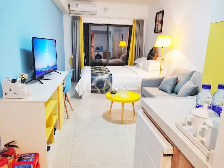 Huileju apartment queen bed room
