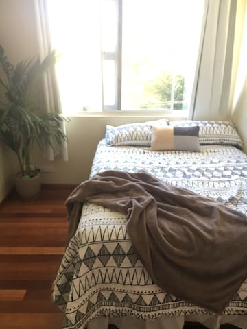Double room in quiet unit block - Balgowlah - Pis