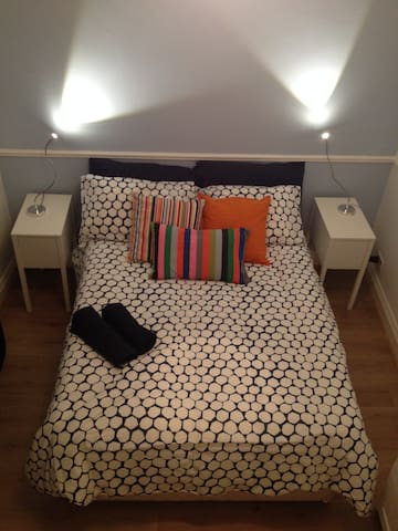 Ideal Room in City Centre Apartment - Dublin