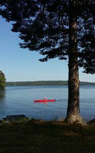 Cosy summerhouse by lake Viken with kayakboat. - Halna - Casa