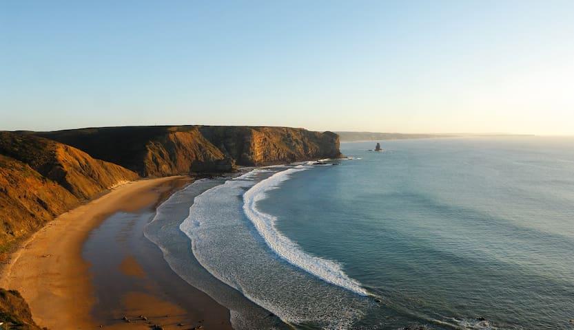 Praia da Arrifana   Arrifana beach