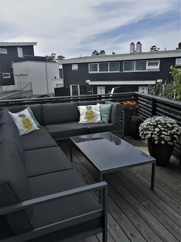 Sjarmerende leilighet med flott uteplass!