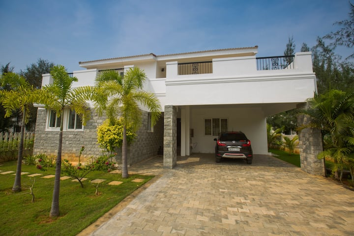 Lush Garden Resort - Complete Villa E