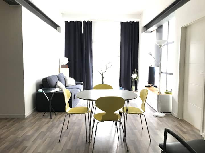 Modern Apartment for Teams