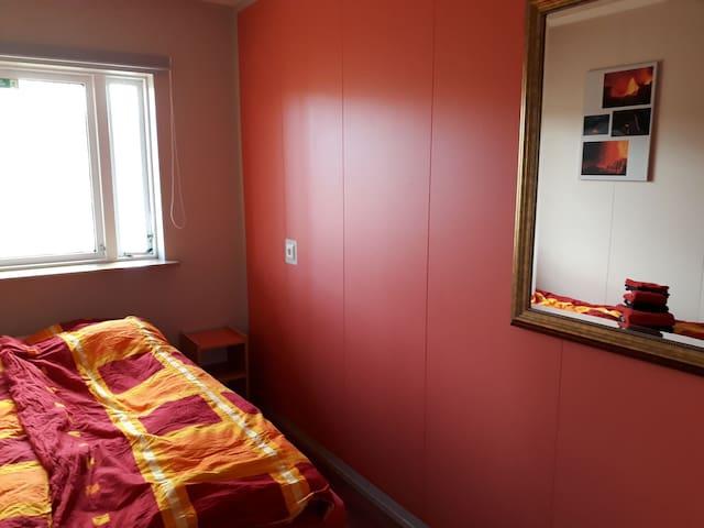 Skyggnir B&B 4 - small double room w/ garden view