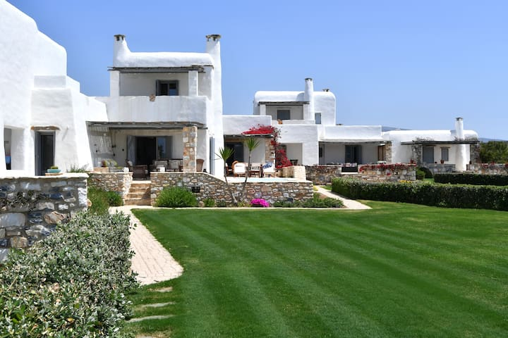 Villa Trecento next to kite-surfers paradise!