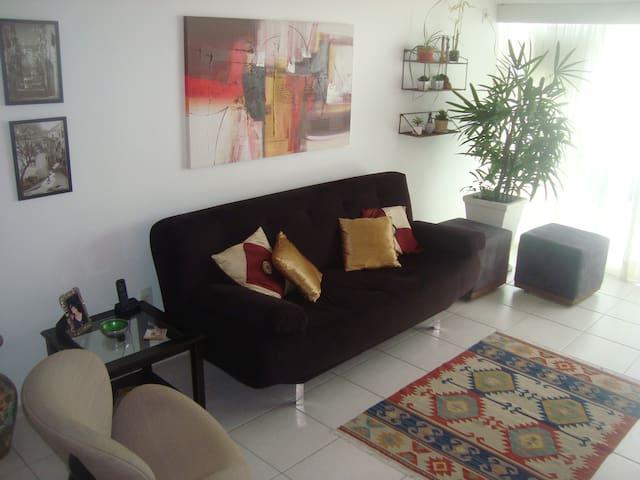 Sala de estar - 1o ambiente