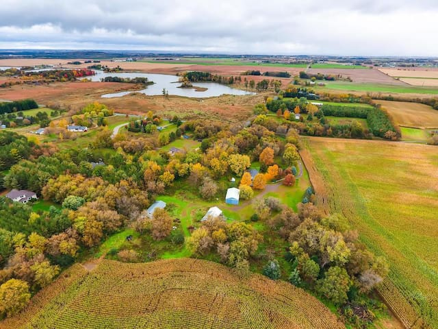 Charming Farm Stay & Interactive Animal Experience