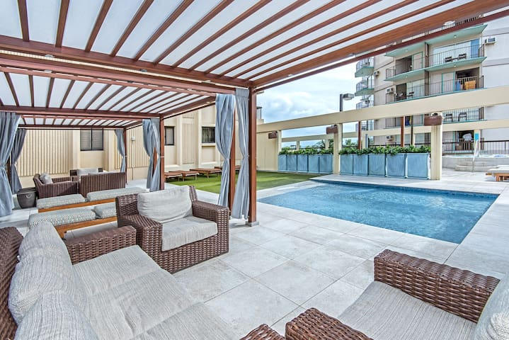 Lounge Area by the Kiddie Pool