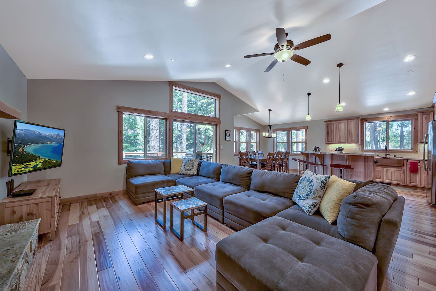 Your whole family will love this open layout and beautiful sunny great room in this 3 BR/2.5 BA home