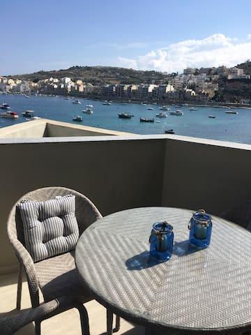 Ultra luxurious- Sea View Apartment