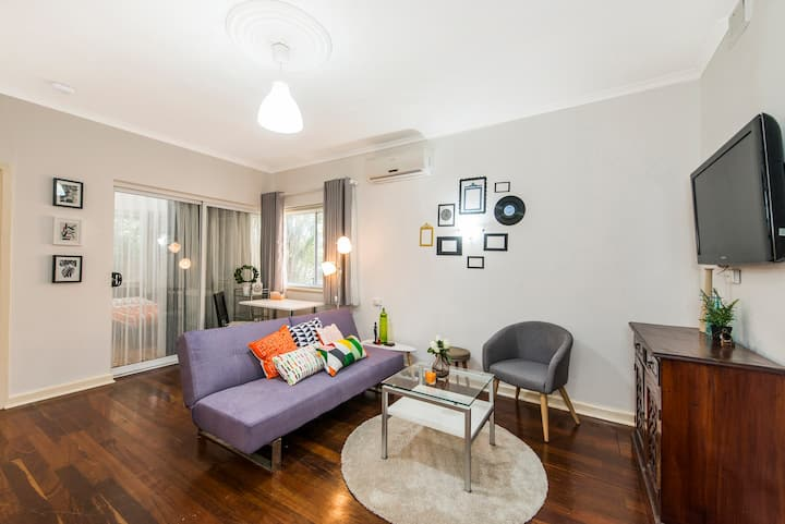 Perth CBD apartment,behind Novotel, free parking