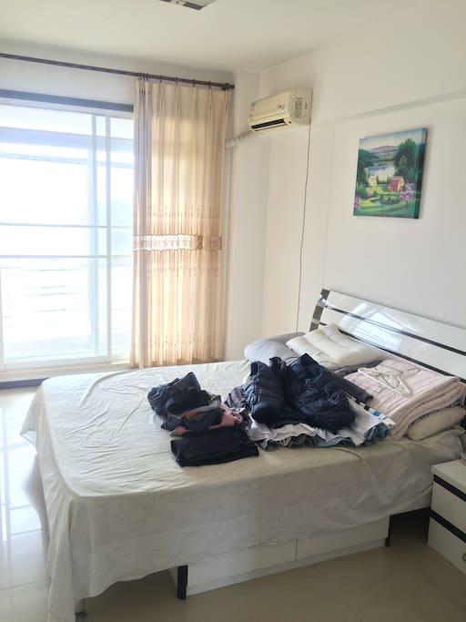 卧室1 南向