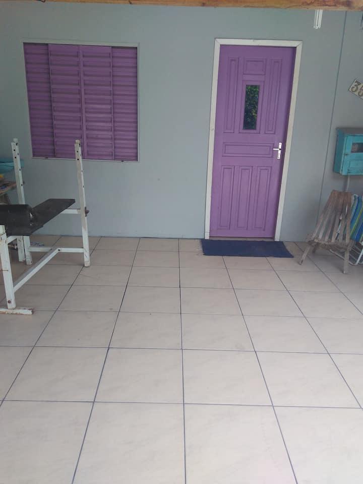 Casa parcialmente mobiliada