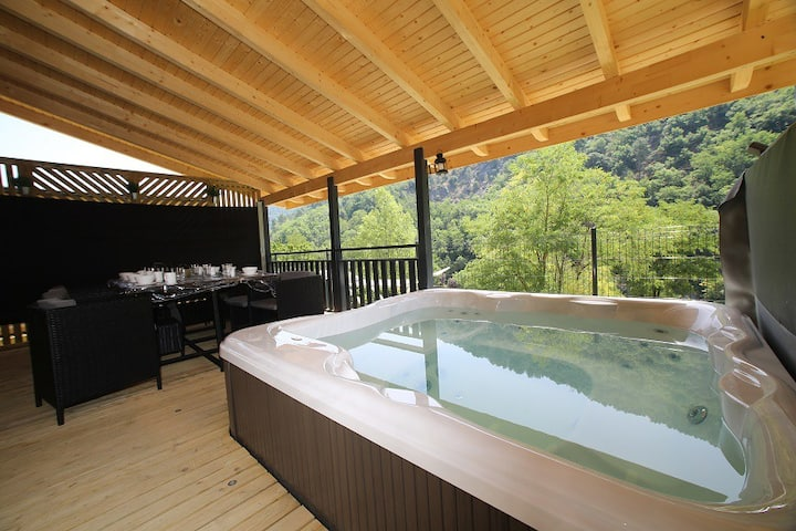 CHALET LUXE SPA PRIVATIF 5P