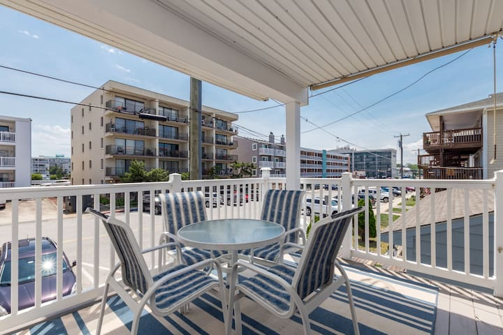 Venture II 1 - 1/2-Block from the Beach in North OC!