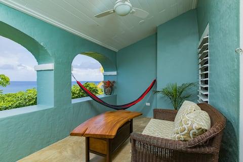 Oceanfront Double Queen Room @ Feather Leaf Inn