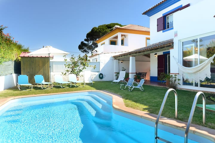 Excellent villa w/ barbecue swimming pool & garden