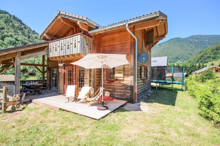 Sunny chalet 2km from the slopes - St Jean d'Aulps