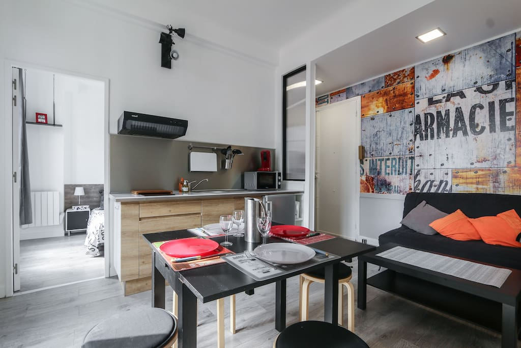 New modern 2 bedrooms near sea appartements louer for Chambre a louer sur nice