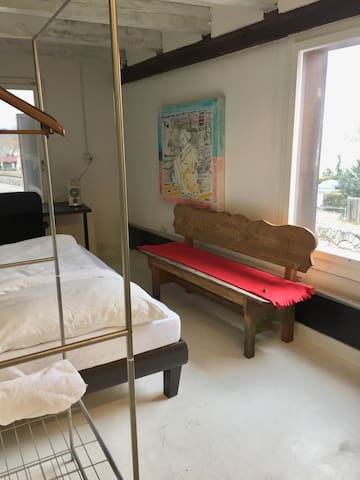 Bed in a Artist Studio - Au ZH - Loft