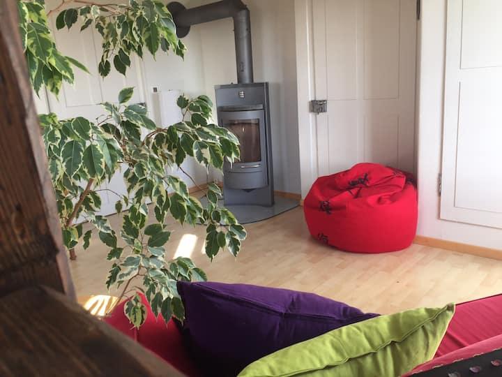 Kleine Oase: Zimmer mit Weitblick und Kaminfeuer