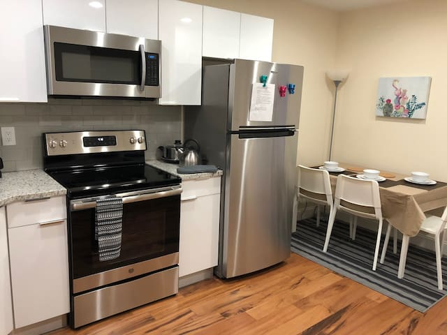 Enjoy City Life at Brand-New 1BR Apt. at Broad St