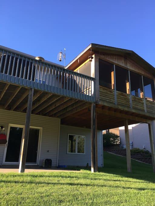 Huge deck and 3 season porch