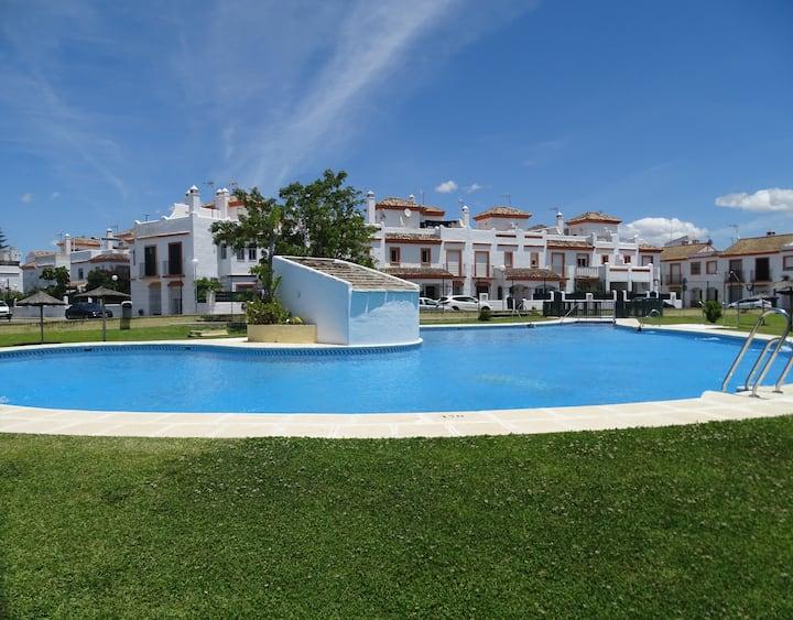 Playa Barrosa. Aire acondicionado Piscina Barbacoa
