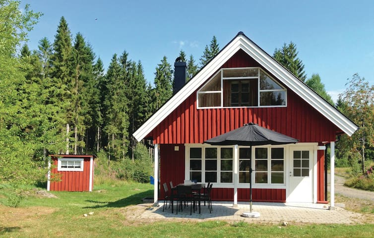 Holiday cottage with 3 bedrooms on 75m² in Vittsjö