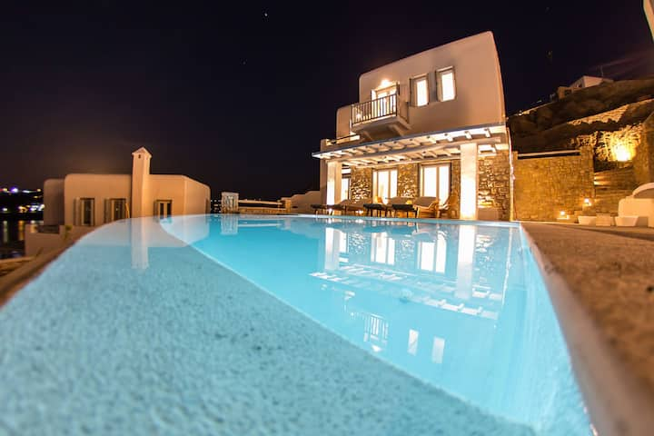 Carpe Diem Villa II ,Private  Infinity Pool!