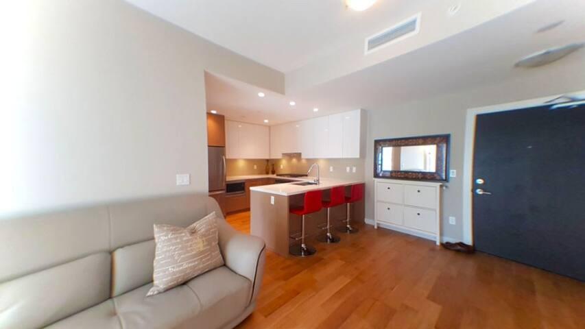 Garden View Bedroom by YVR Airport and Skytrain - Richmond - Apto. en complejo residencial