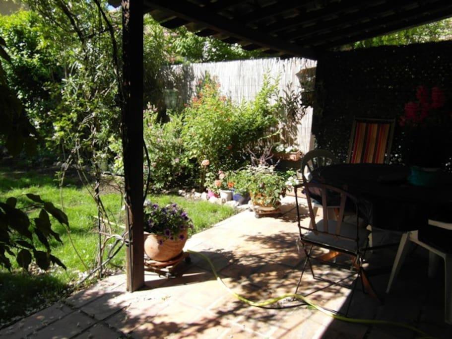Jardin et terrasse au rdc