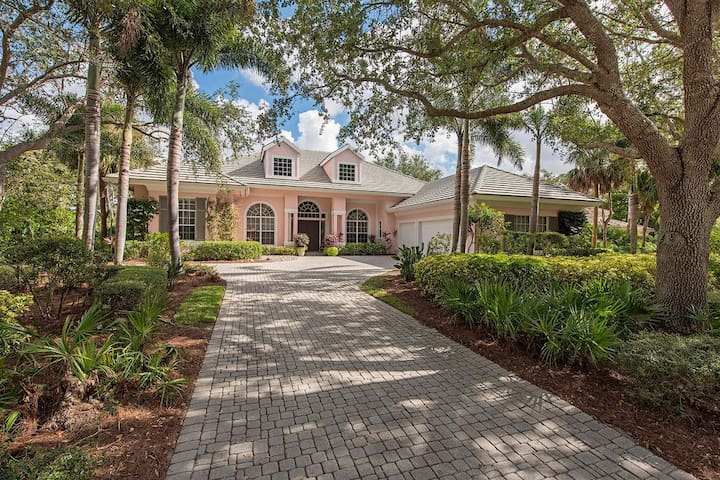 Private Luxury Home in Naples, FL with Pool